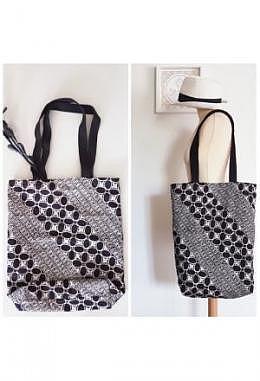 TC Tote Bag Batik Hitam Putih